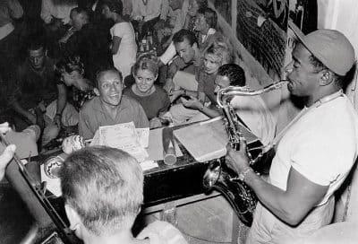 A St Trop, une jam endiablée avec Claude Bolling au piano et une admiratrice de charme, Brigitte Bardot.