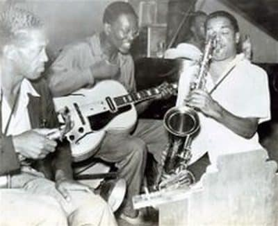 Ca chauffe bien avec le sax tenor Dick Wilson.